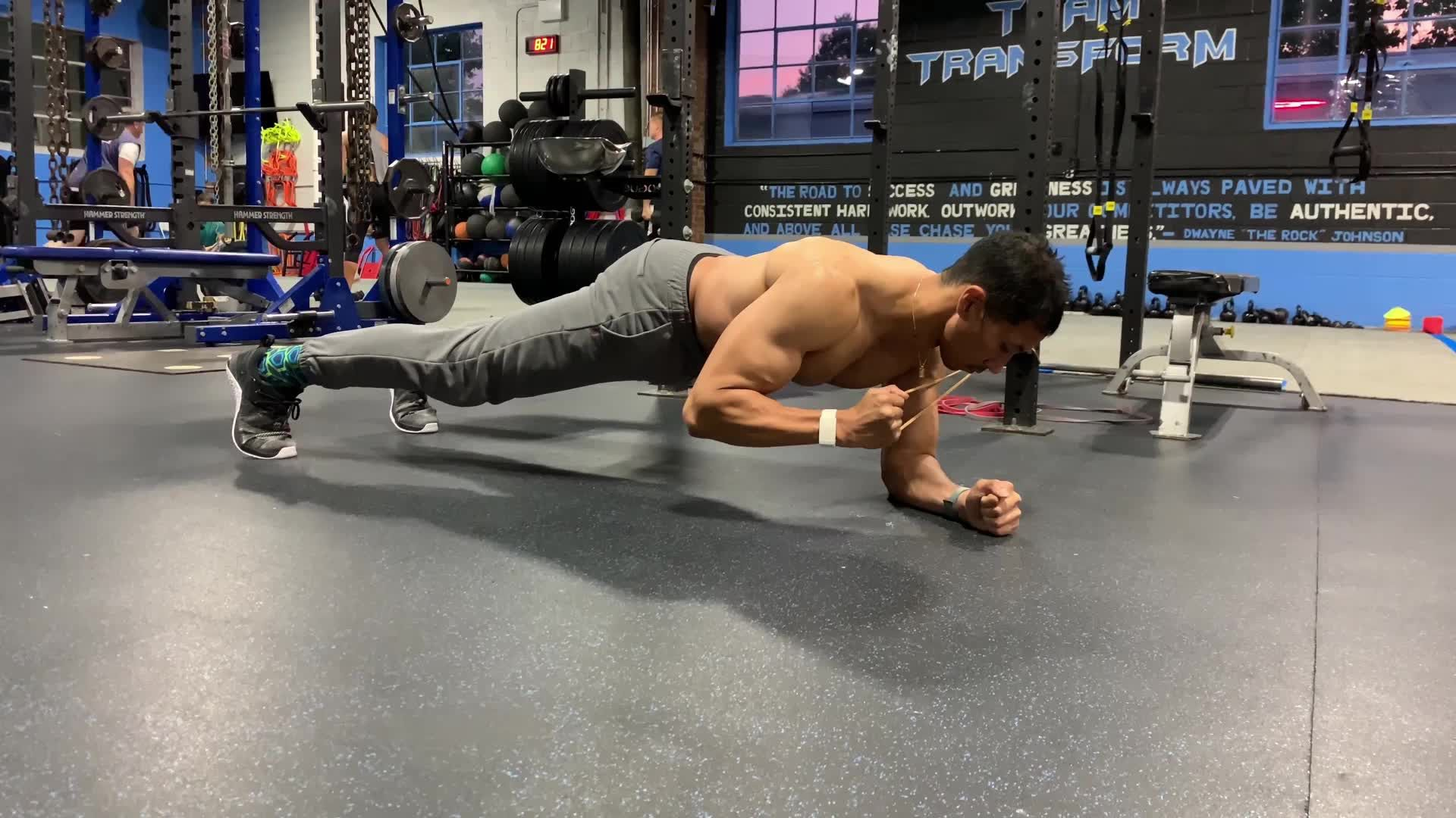 Get Abs Like the Man of Steel With This Super Plank