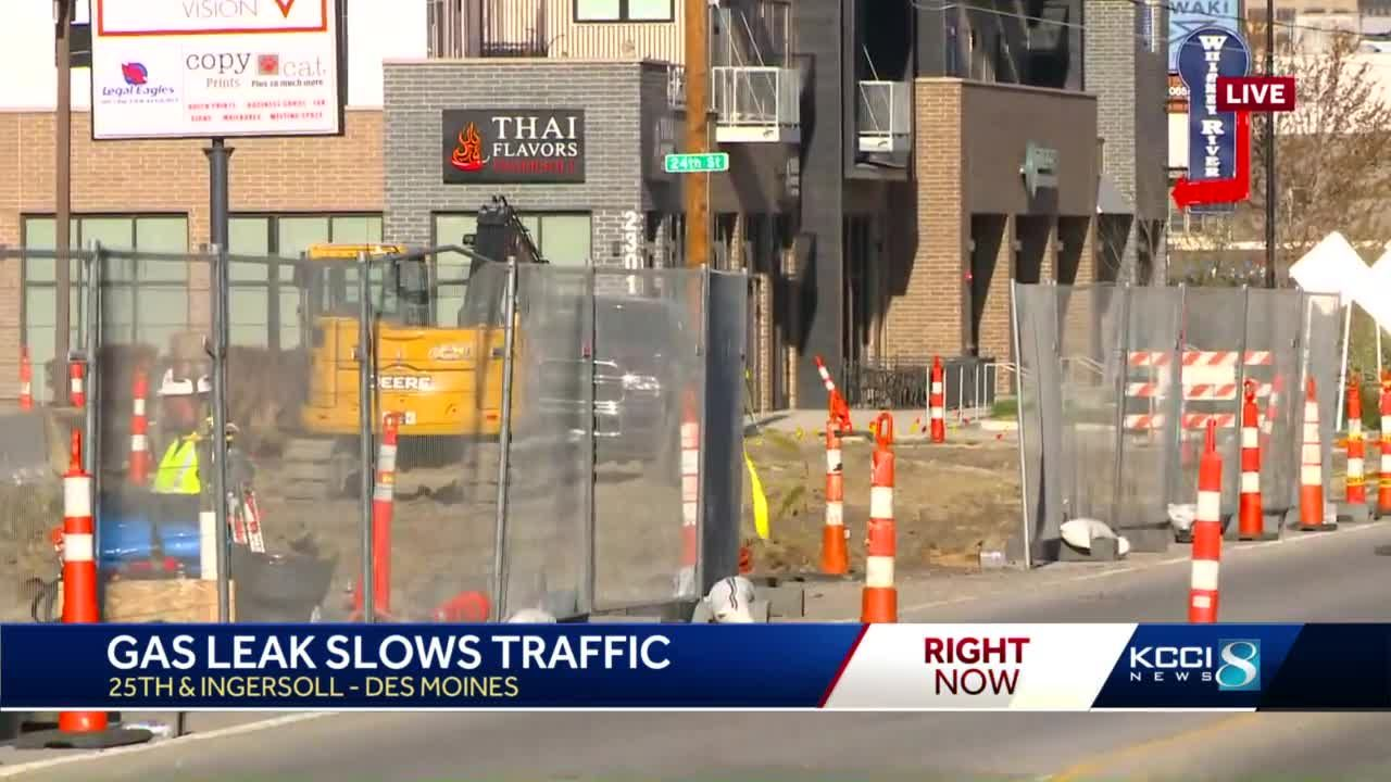 Gas leak prompts road closures on Ingersoll Avenue