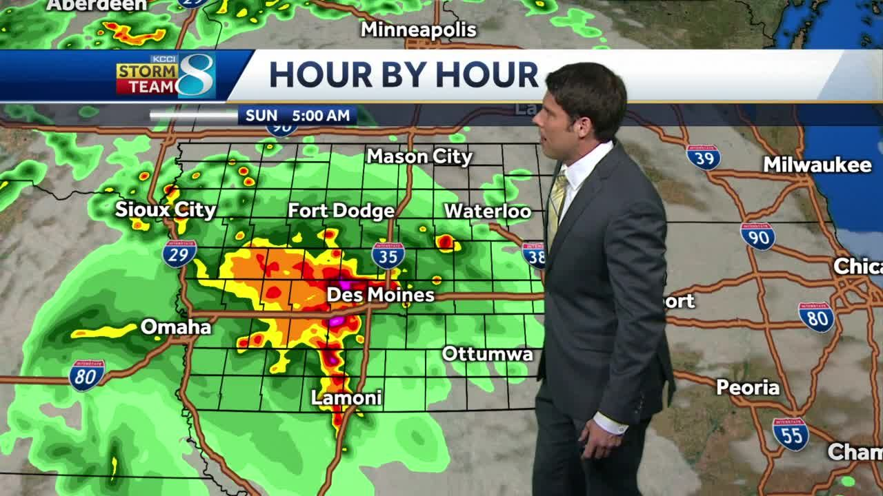 Chances for thunderstorms, showers Monday morning