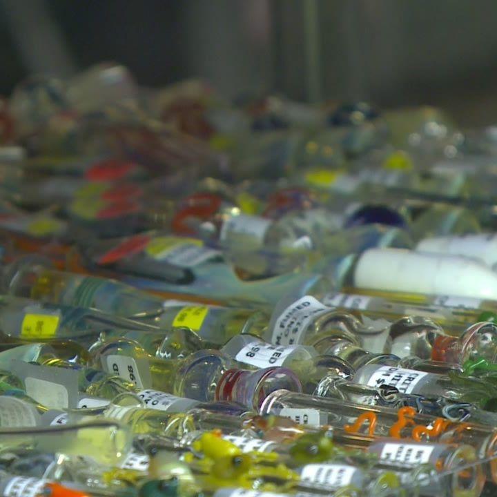 Glass pipes aren't drug paraphernalia, court rules