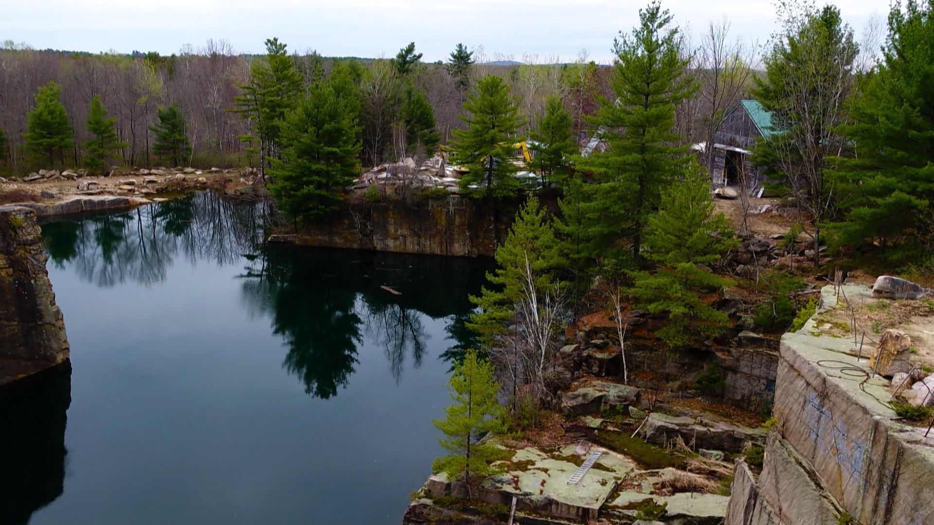 Maine quarry mines rare granite for Smithsonian museum's renovations