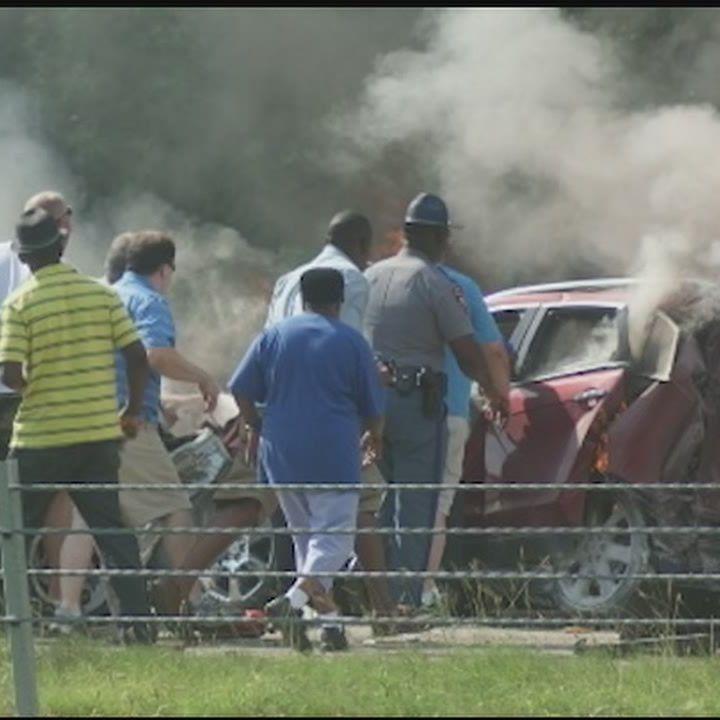 Crash leaves 1 dead on I-20