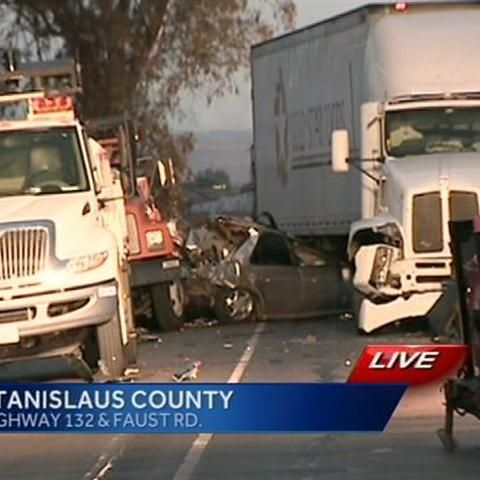 Crash on Hwy 132 kills one, injures Caltrans worker