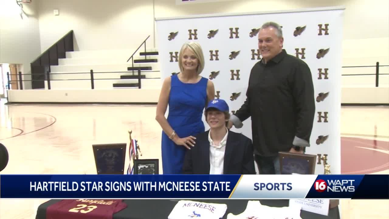 Jonathan Lucas of Hartfield signs on to McNeese State