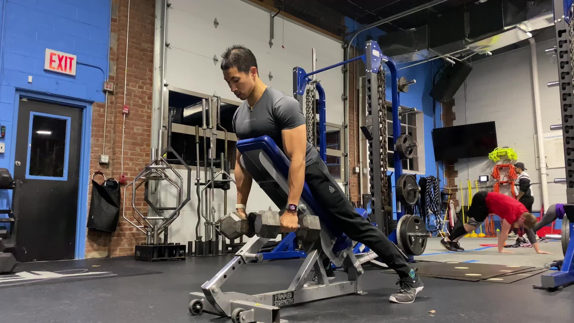 Blast Your Back and Abs With This Incline Pause Row Series
