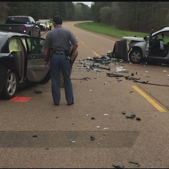 Yazoo crash injures 4