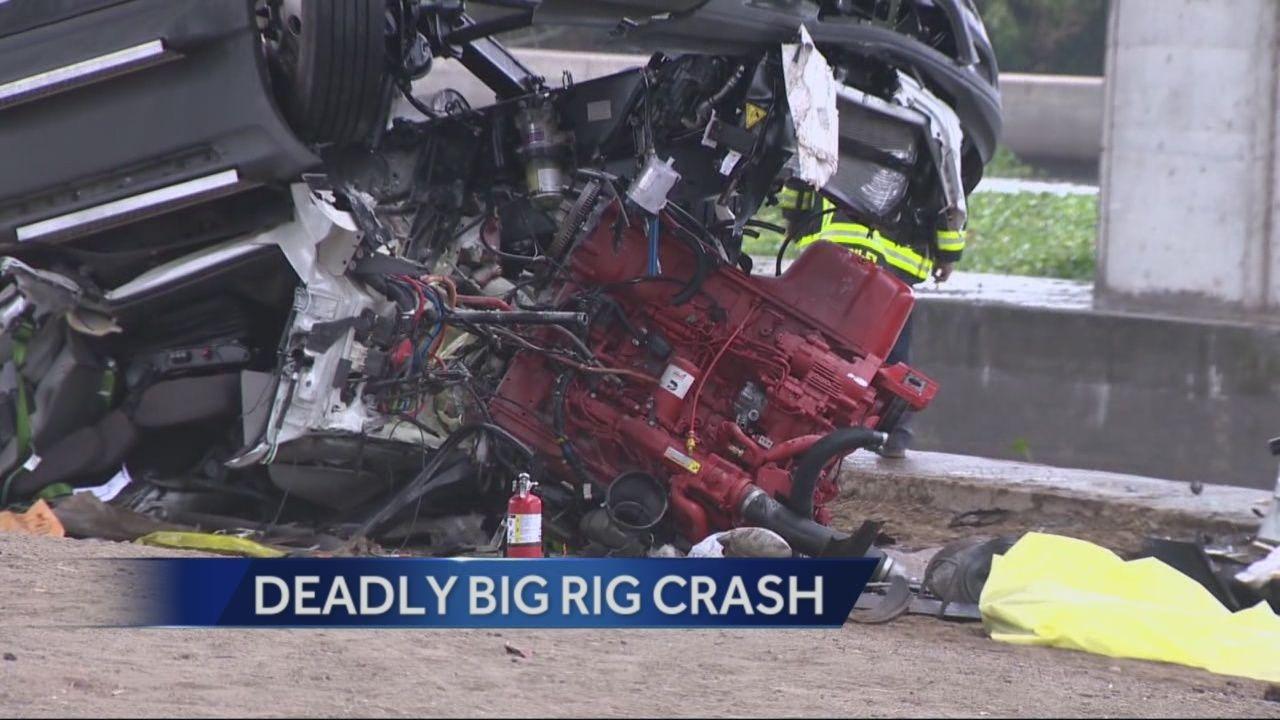 Driver killed in Stockton big rig crash