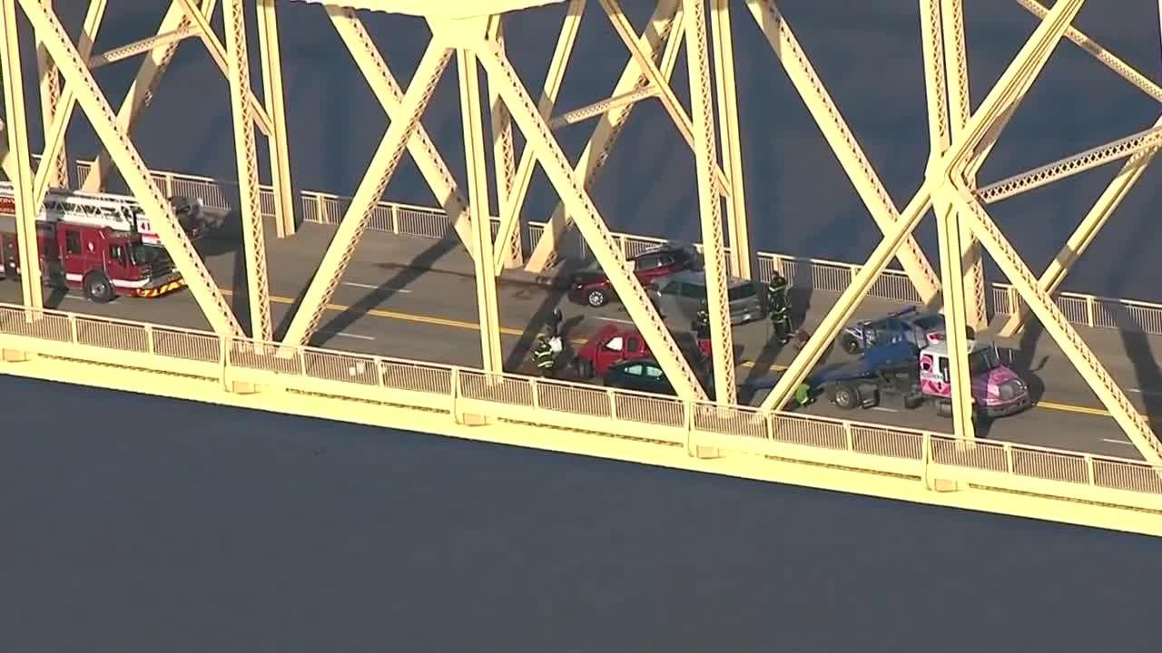 VIDEO: Crash on 2nd Street Bridge