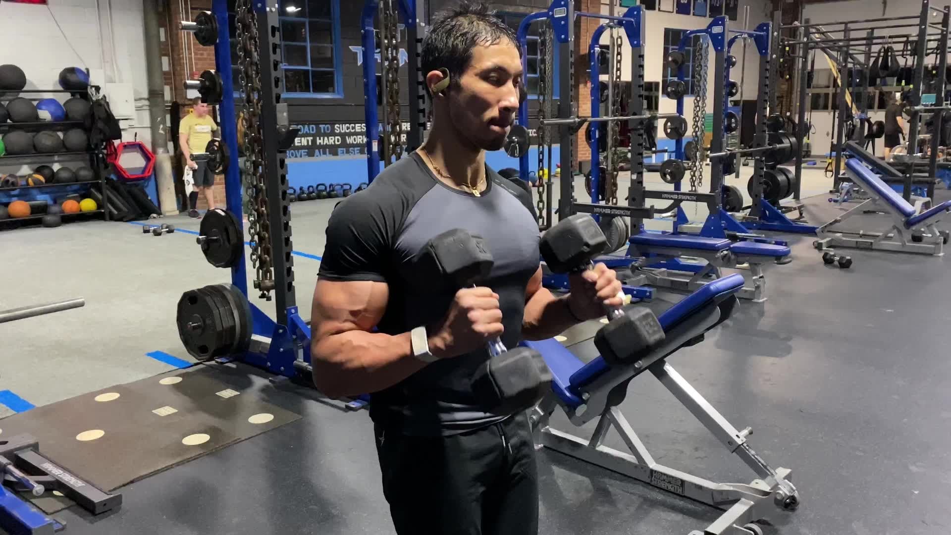 This Simple Workout Blasts Your Biceps and Forearms in 8 Minutes!