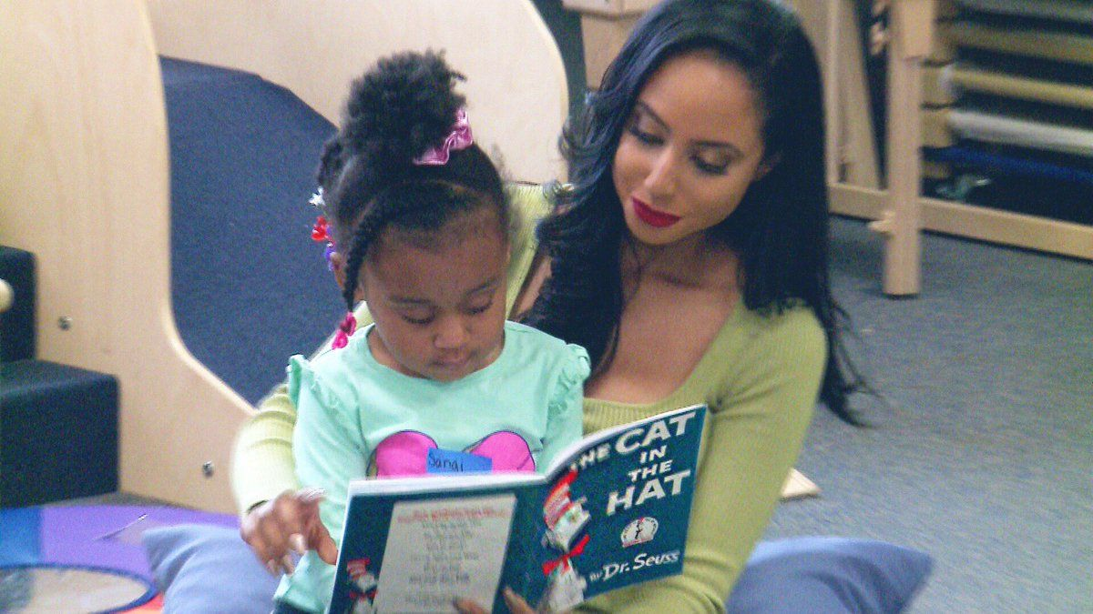WISN 12 News' anchors read to children at Next Door Foundation