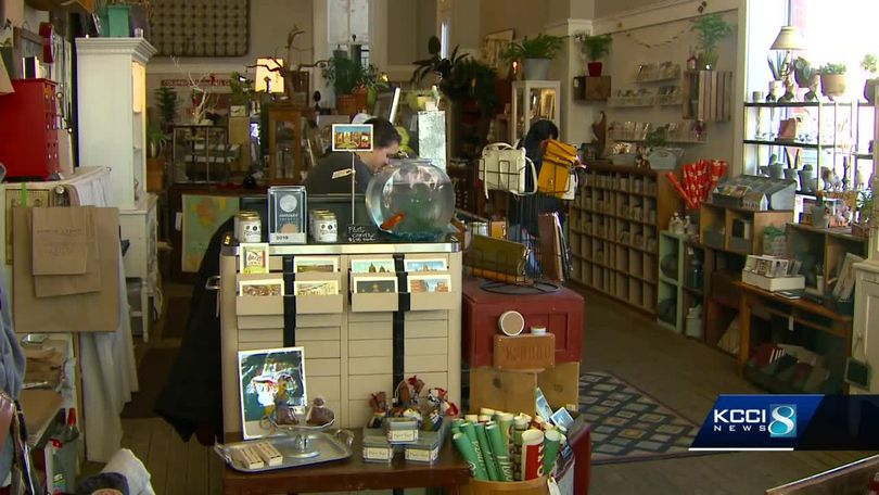 Des Moines Shopping >> Des Moines Small Businesses Gearing Up For Big Shopping Days