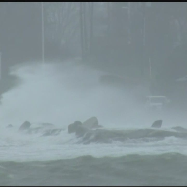 Nor'easter causes concerns along Massachusetts coast