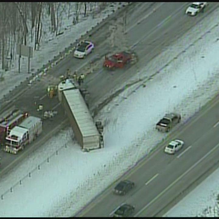 Tractor-trailer crash blocks I-79 traffic