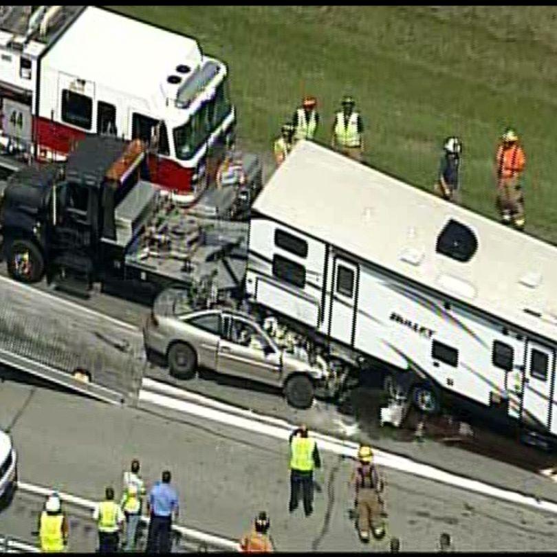 Raw video: Multi-vehicle crash on I-79 South