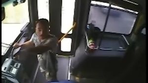 WARNING: GRAPHIC RAW VIDEO of officer-involved shooting on bus