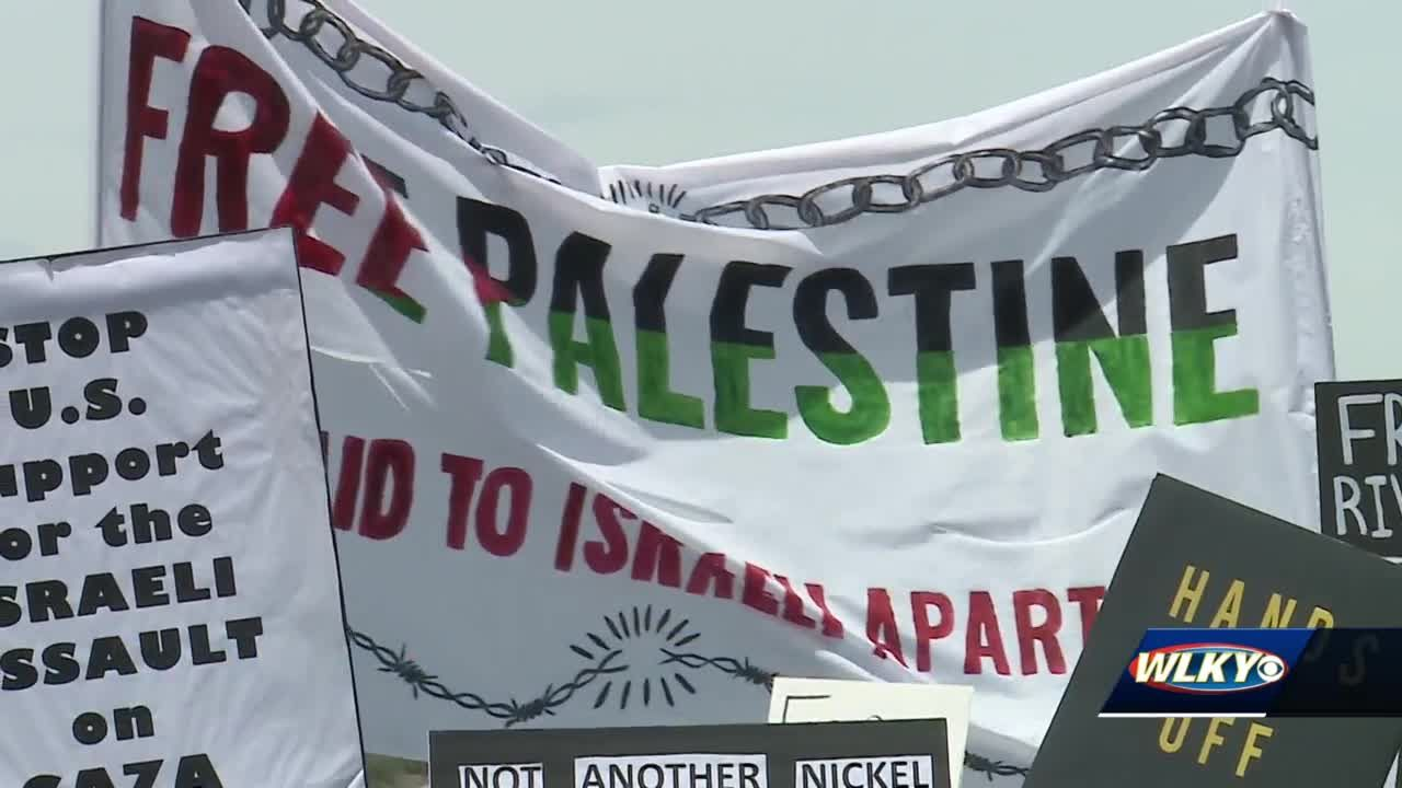 Louisville natives stage Waterfront protest in solidarity with Palestine