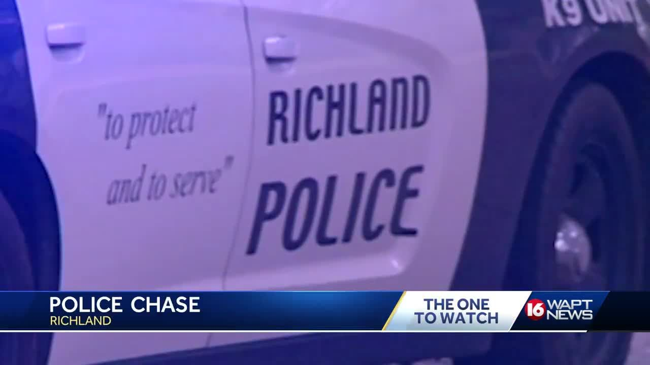 Richland police officer involved in chase, shooting