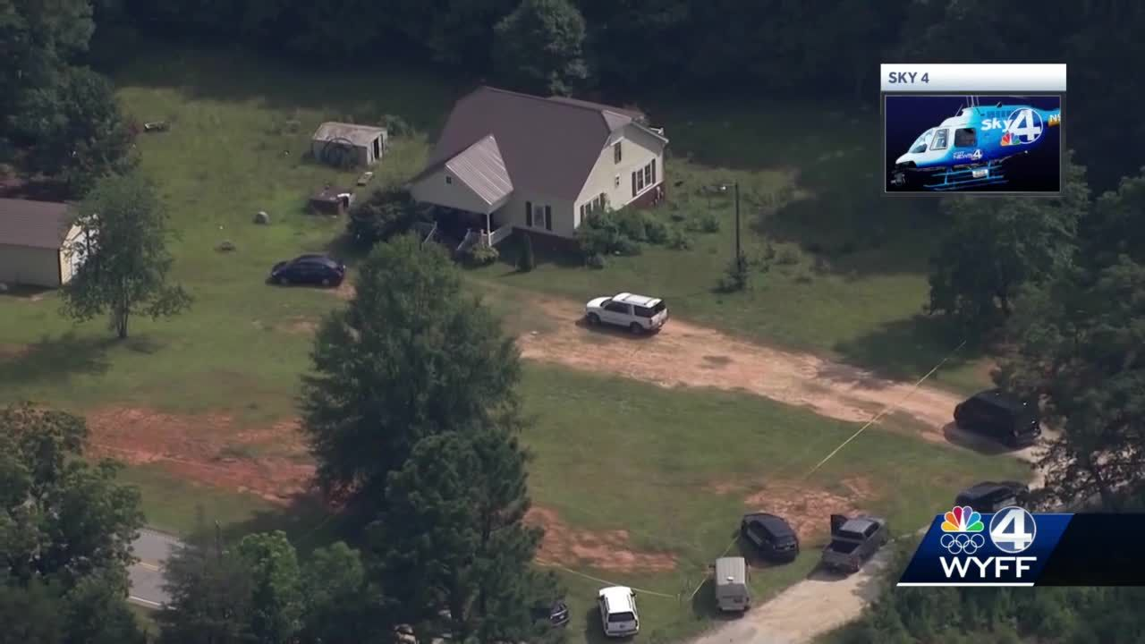 2 adults, 1 young girl killed in South Carolina; suspect arrested overnight, authorities say