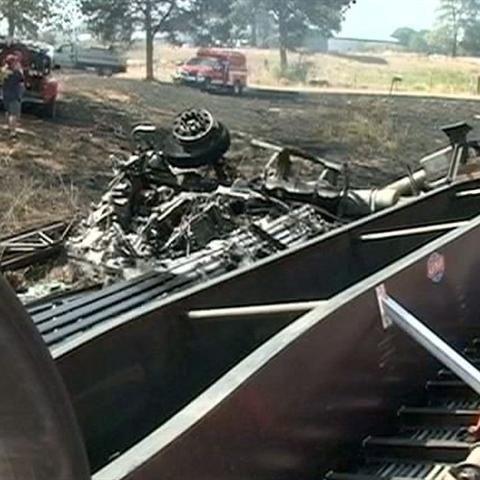 Truck wreck blocks traffic On Highway 71