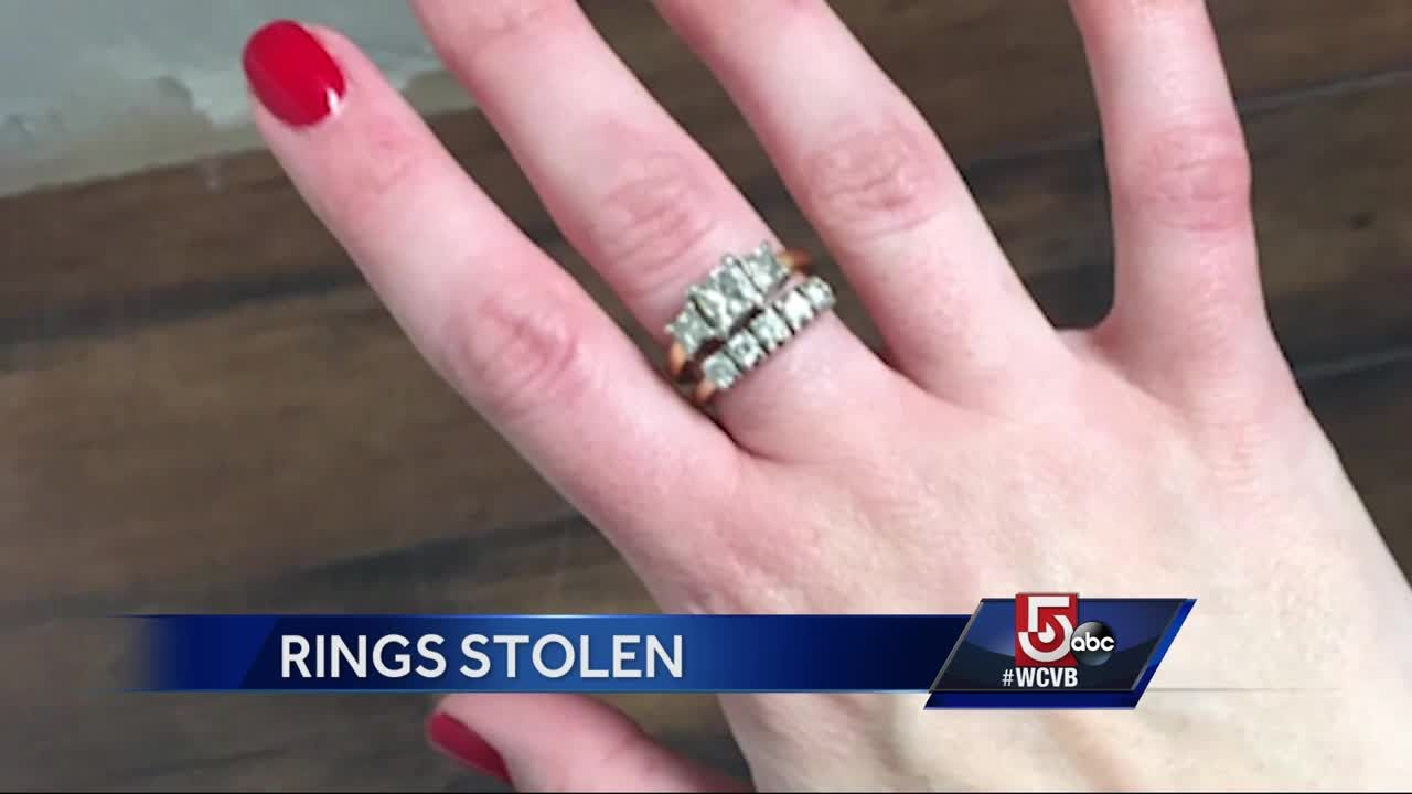 Daughter has late mother\'s rings stolen from gym locker