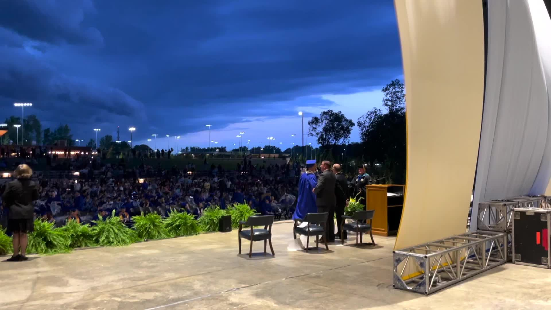 VIDEO: Strong winds delay graduation at Snead State Community College