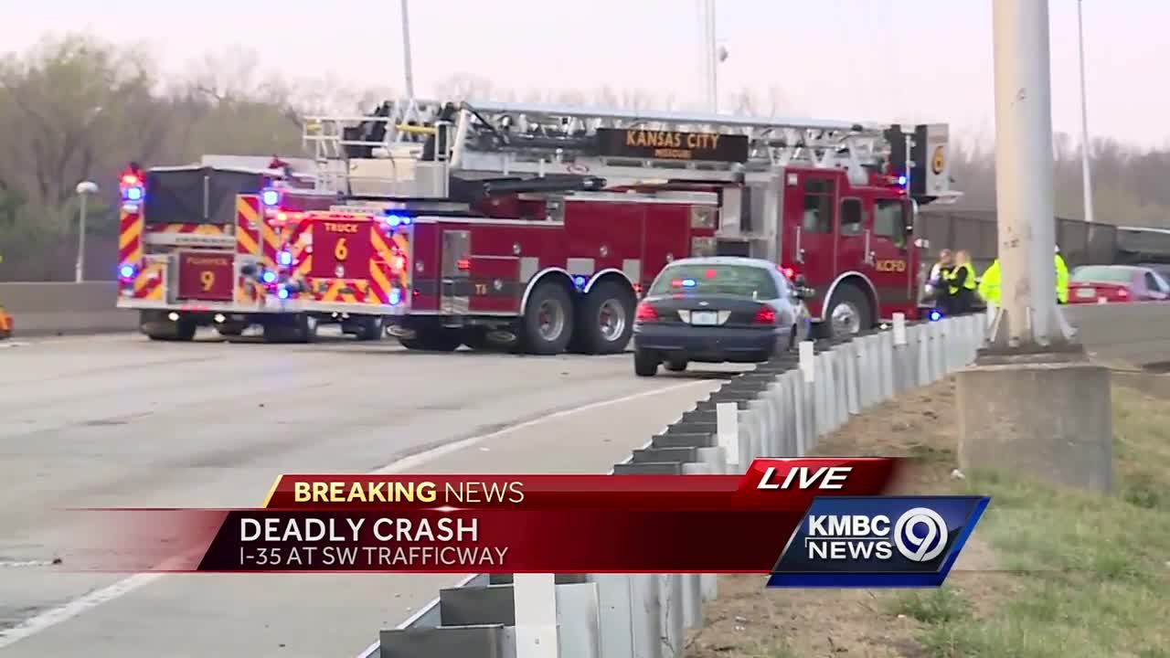 Man, 30, dies in crash on I-35 near Southwest Trafficway