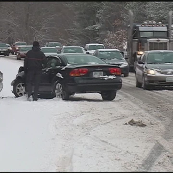 Snow leads to accidents on NH roads