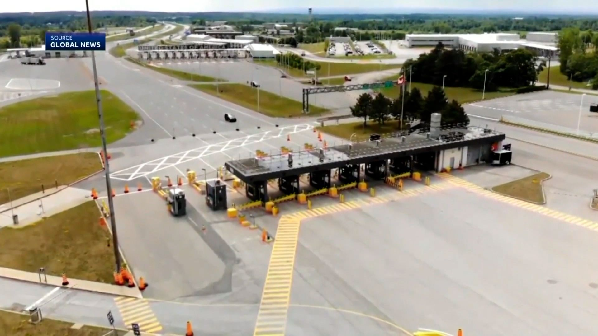 Canadian border strike could make things difficult for travelers