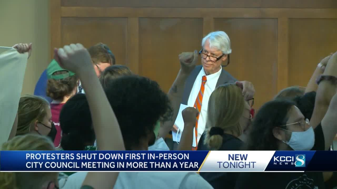 Protesters shut down first in-person Des Moines City Council meeting since March 2020