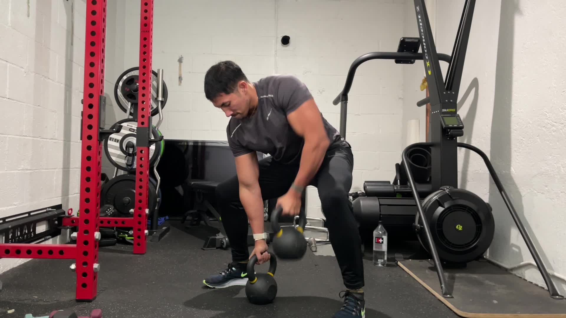 Blow Up Your Back With This Gorilla Row Dropset
