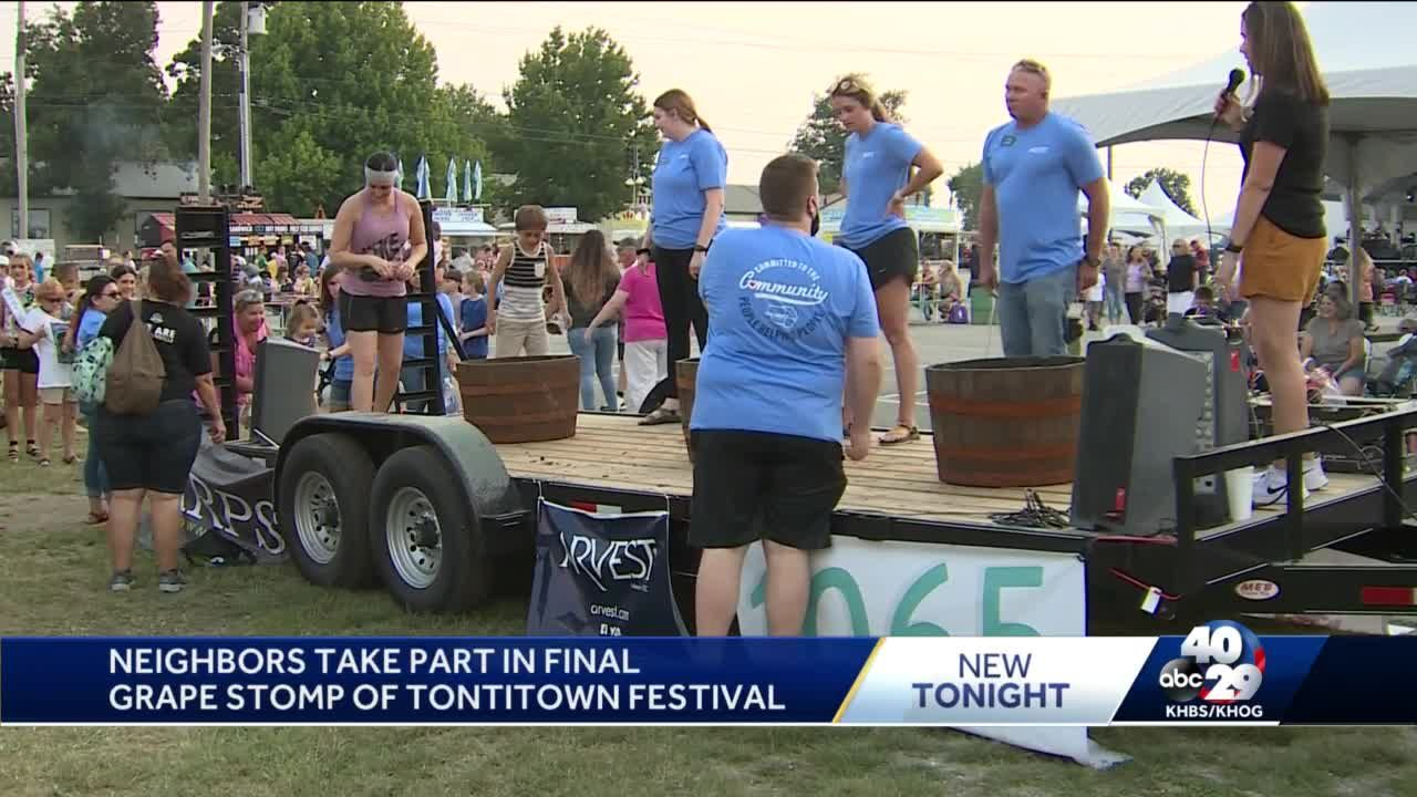 Neighbors take part in final grape stomp of Tontitown Festival