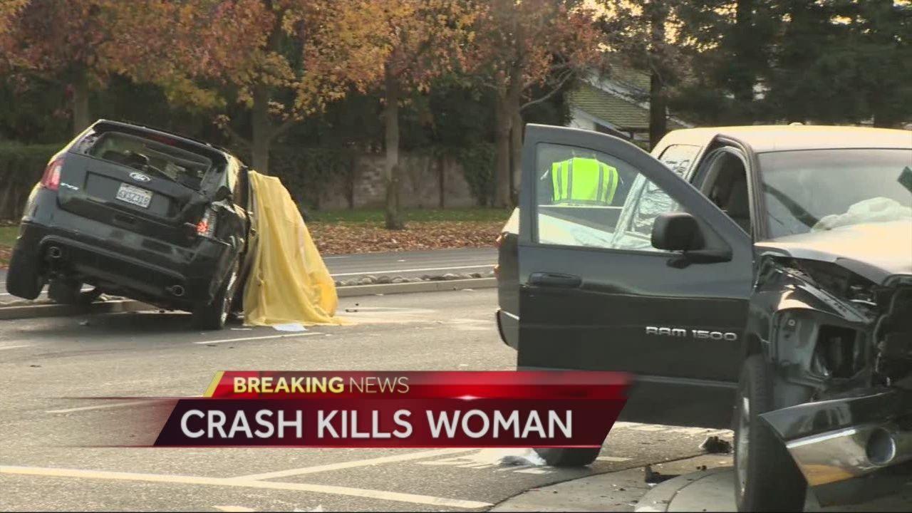 One killed in three car crash in Elk Grove