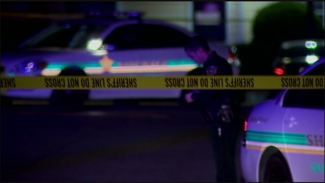 1 person killed, 2 hurt in Pine Hills shooting