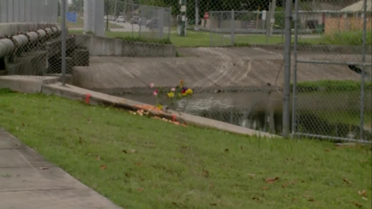 Coroner identifies two killed after car crashes into canal