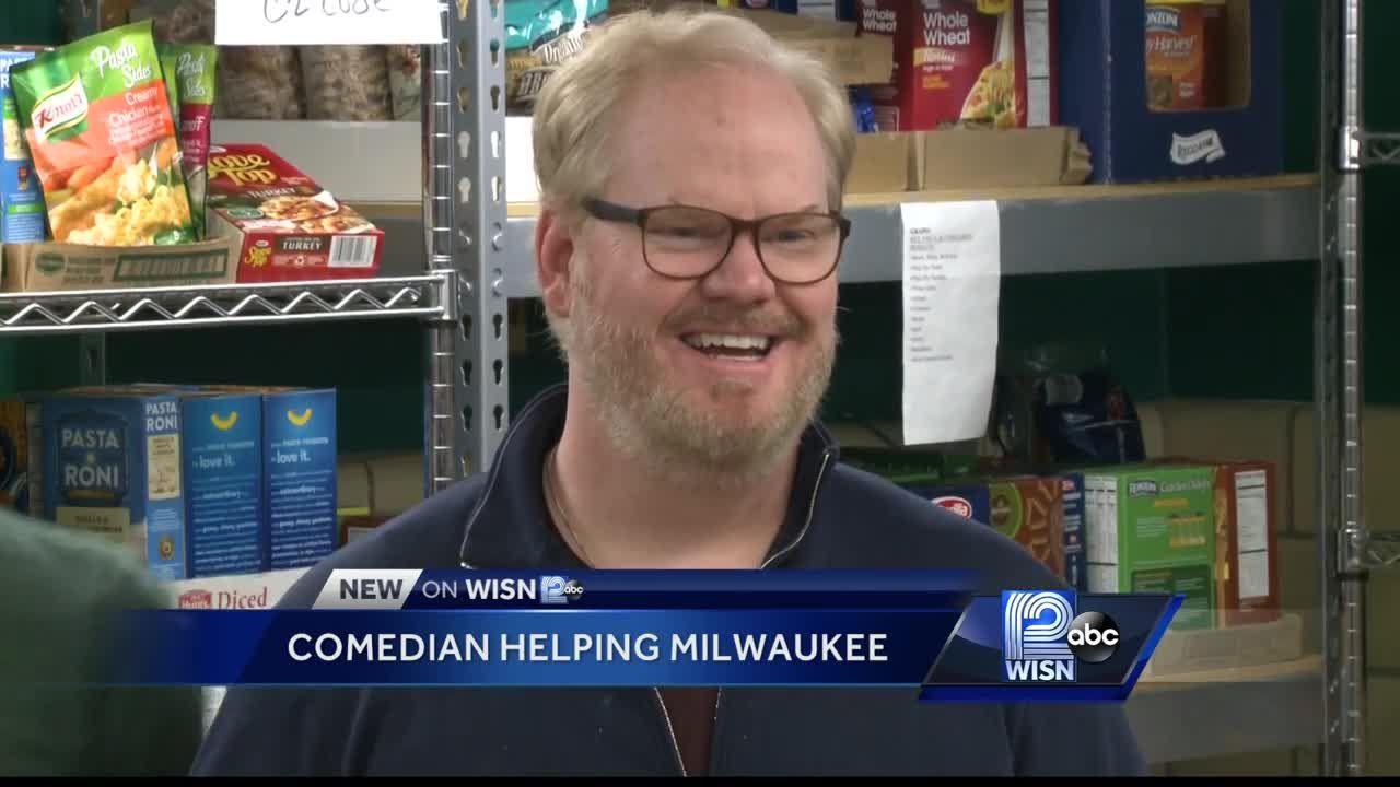 Comedian Jim Gaffigan volunteers at local food pantry