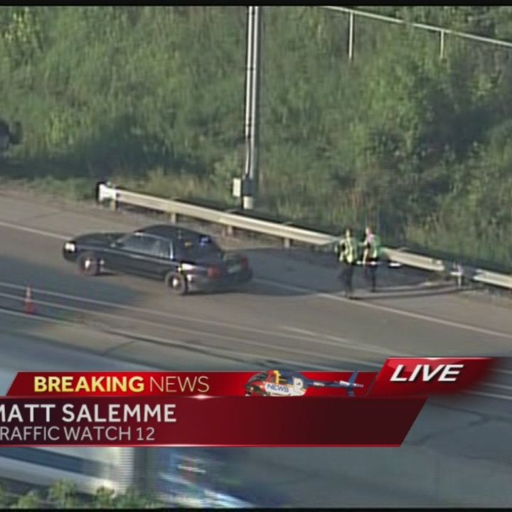 Crash closes 2 lanes of Hwy 41/45