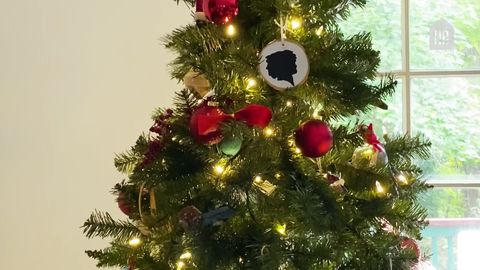 preview for Three Steps to a Perfectly Decorated Christmas Tree