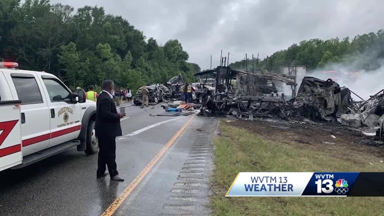 9 children, one adult dead after pileup crash on I-65 in Butler County, Alabama