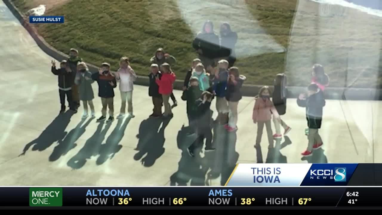 Carroll students start their own 'Iowa Wave' for cancer patients