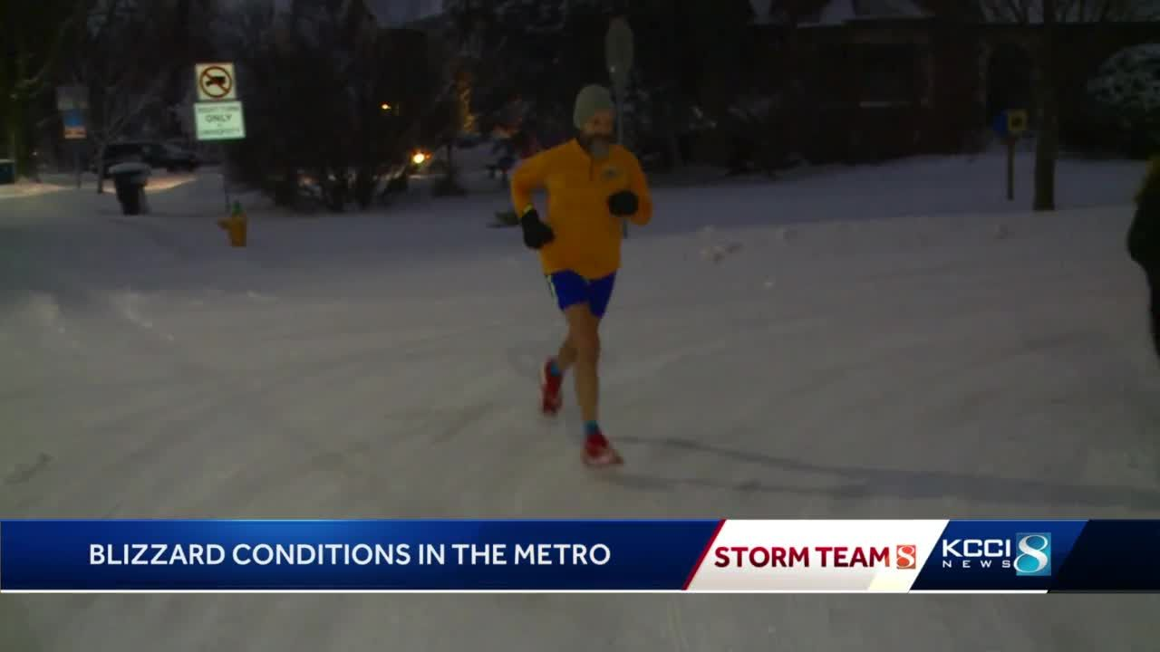 Blizzard conditions won't stop Iowa runner