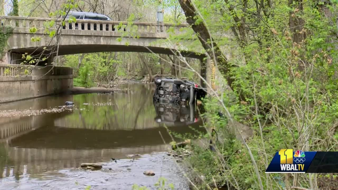 Baltimore patrol car involved in crash falls into Herring Run