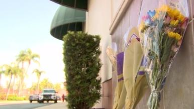 Shoppers return to grab belongings left behind during Publix shooting