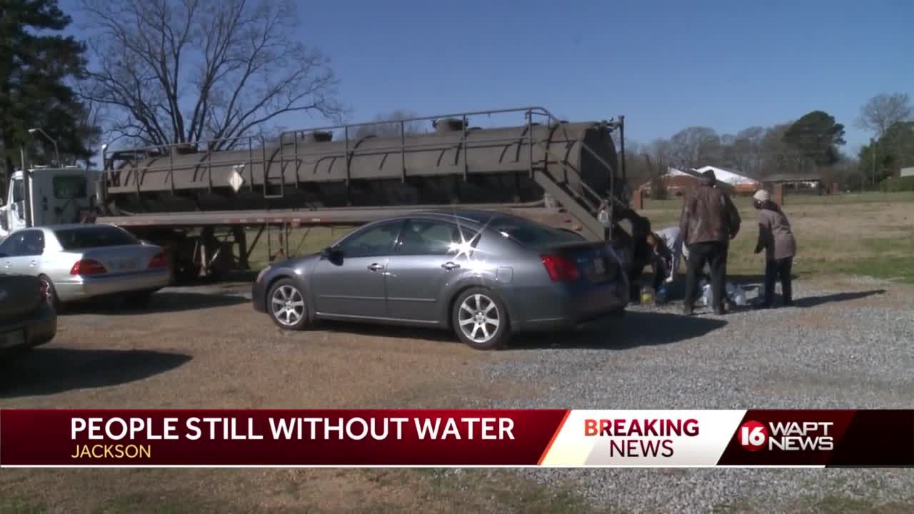 Jackson residents look for water