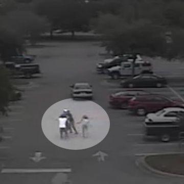 Raw video: Shoplifting suspect apprehended at Walmart