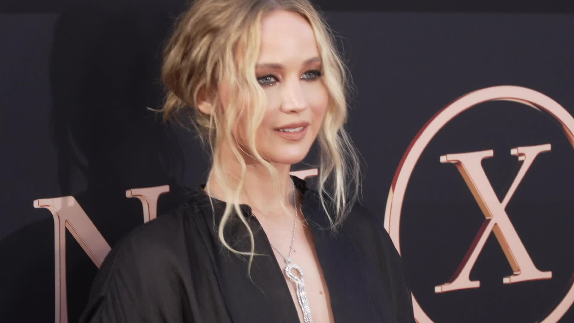 Jennifer Lawrence's Wedding Dress - See The First Pictures Of The Bride And Her Gown