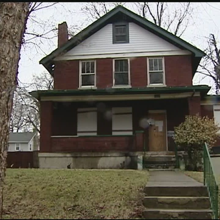 New Cincinnati law makes banks take responsibility for foreclosed homes