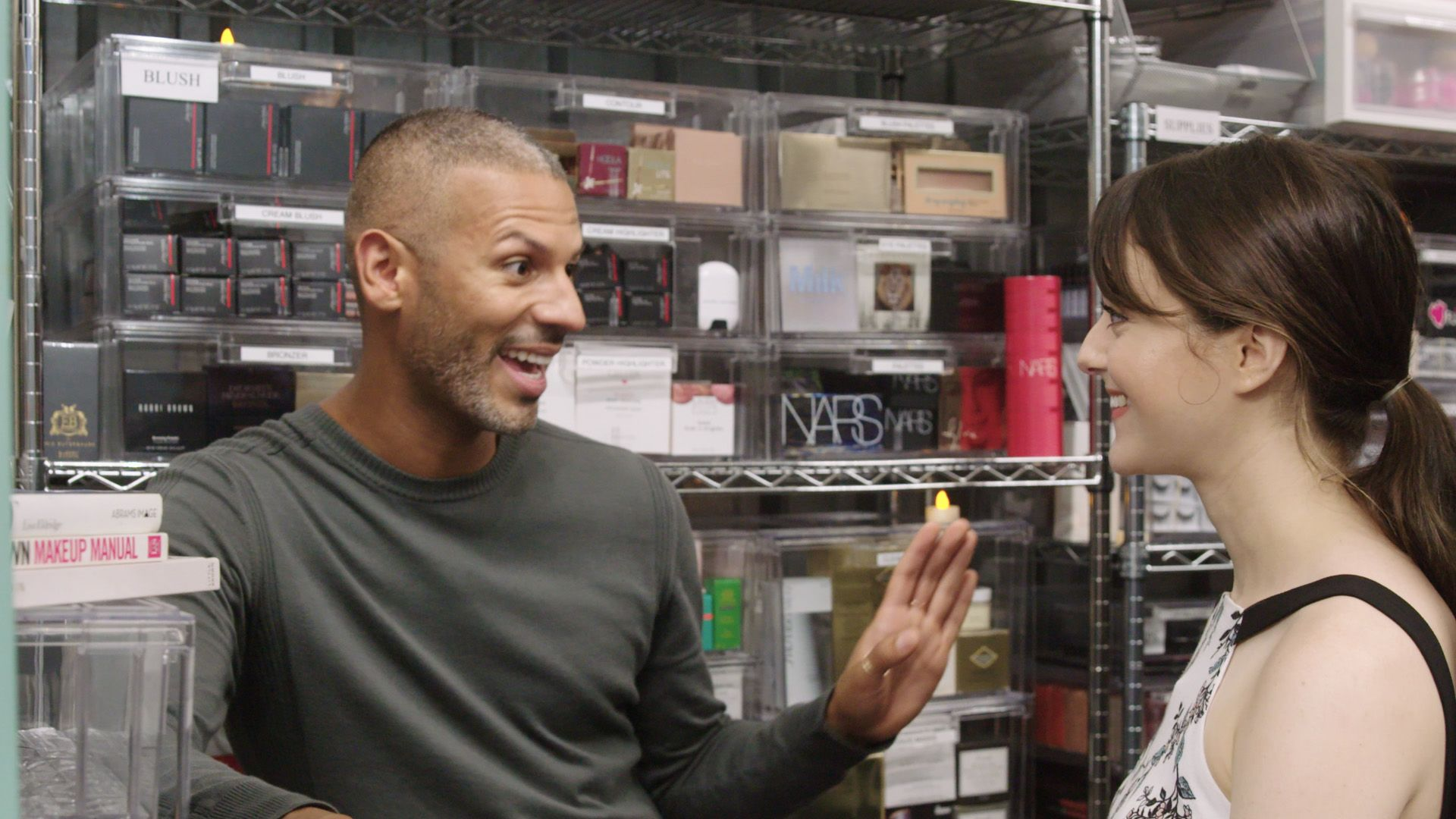 Go Inside Celebrity Makeup Artist Vincent Oquendos Dreamy Beauty Stash