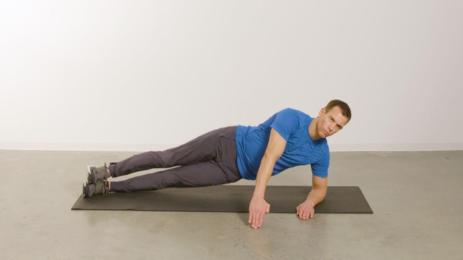 Blast Your Abs in 20 Minutes with This Core-Carving Workout