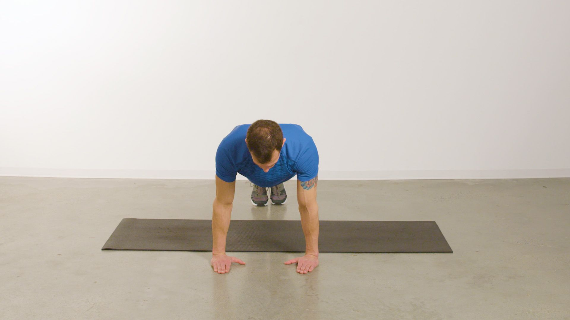 Burn Fat Anywhere, Anytime with This 20-Minute Bodyweight Circuit