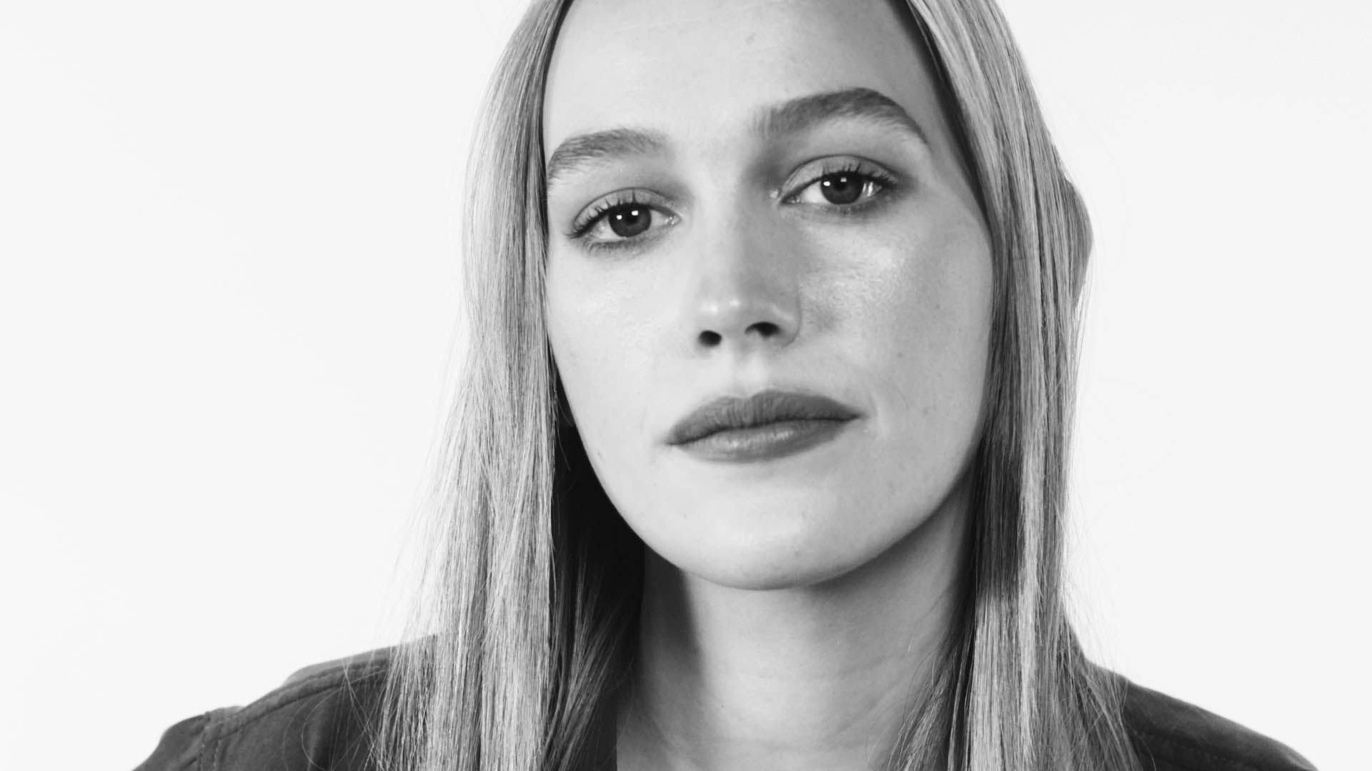 Victoria Pedretti Talks Working with Penn Badgley, Being Cast in You, and Wanting to Work with Taika Waititi